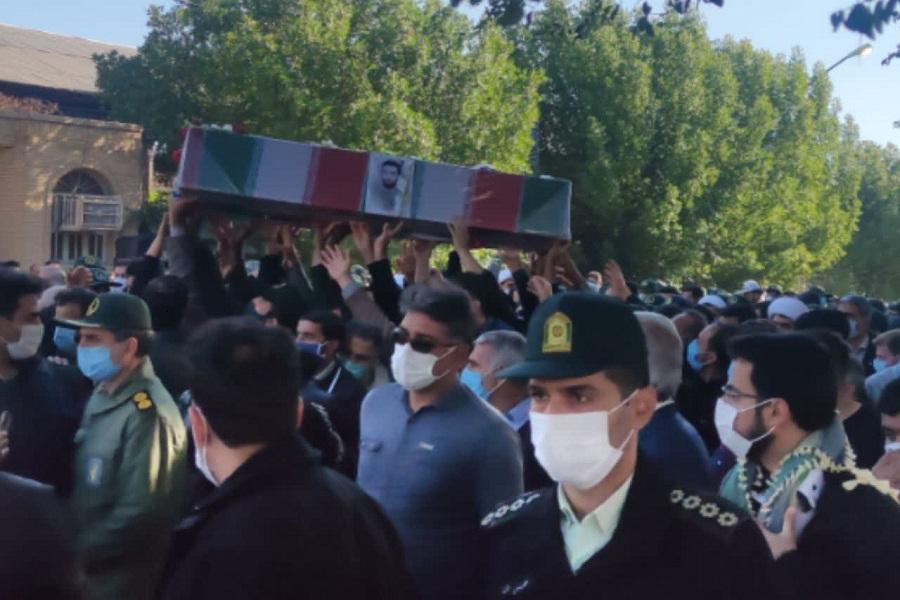 پیکر شهید مرادینسب تشییع شد / قهرمانان این مملکت شهدا هستند